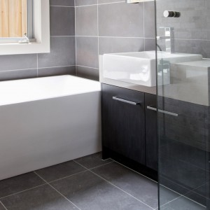 Smalle badkamer in moderne afwerking | Hofstade - Mechelen